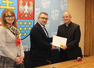 Caritas podpisał umowę na realizację OWES
